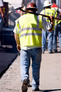 worker w shovel