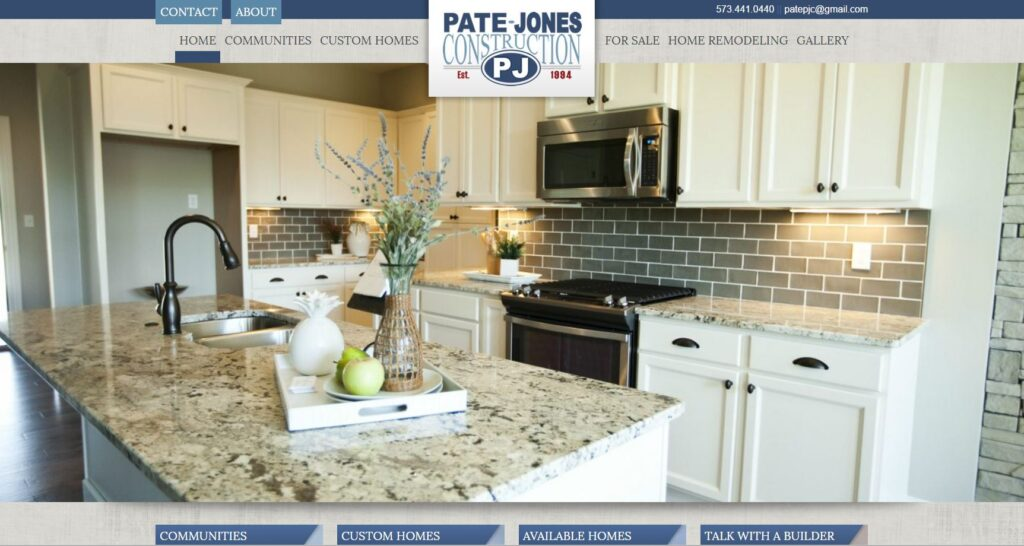 Example of a large header photo from a construction company website.